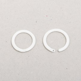 deco ring plastic, white