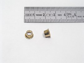 E eyelet long brass-plated